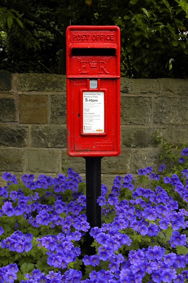 red post box letter box
